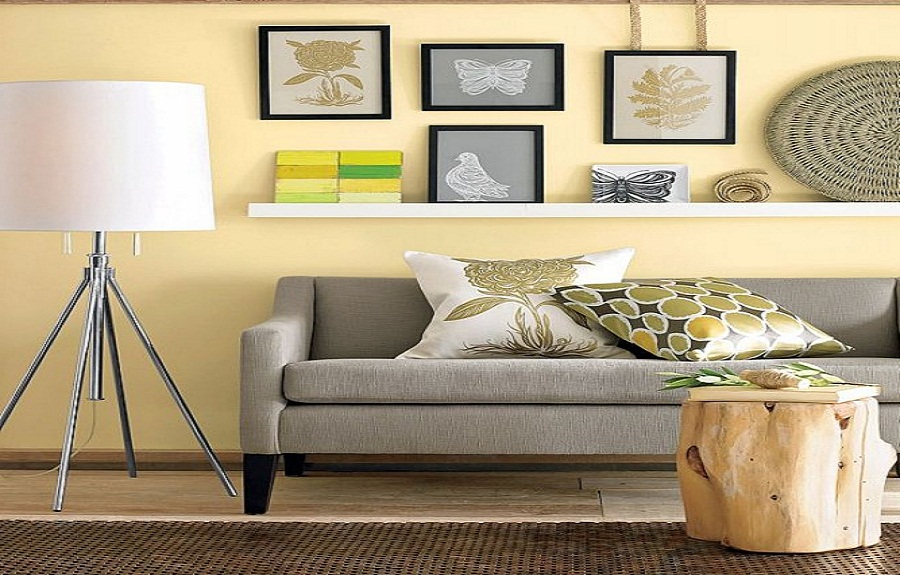How to hang artwork and framed photos artlies for Wall hanging ideas for family room