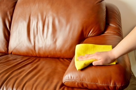 N6_CleaningLeatherSofas