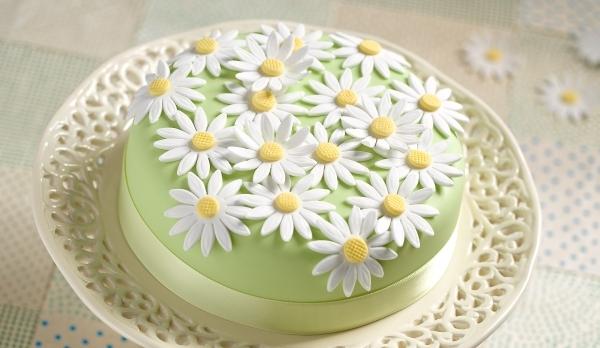 X Daisy Cake (Easter)-620x348