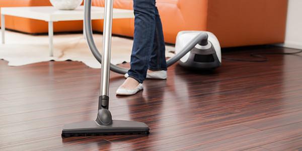 vacuum-cleaning-711x300