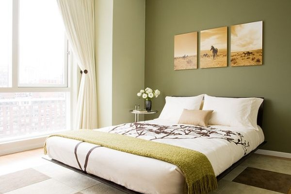 Graceful-and-stylish-floating-bed-can-help-lighten-up-the-interiors-of-a-small-bedroom